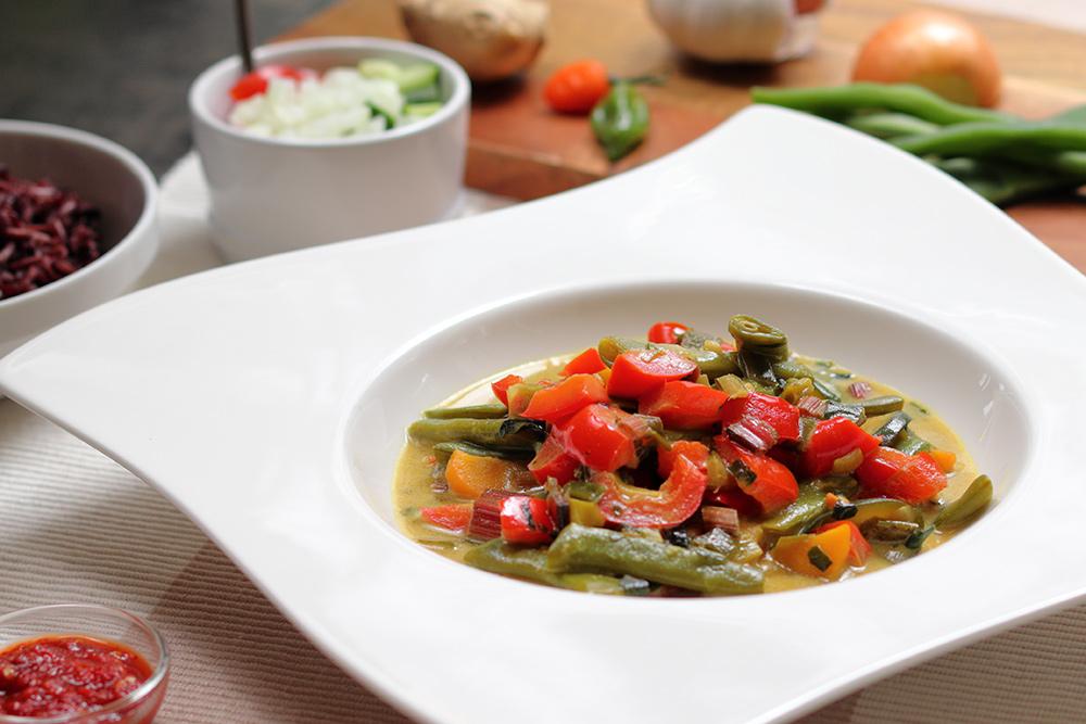 Curry-Gemüsepfanne mit Reis